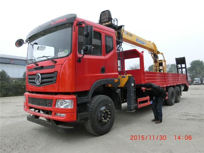 拉大型挖机随车吊_拉40吨35吨30吨挖机随车起重运输车