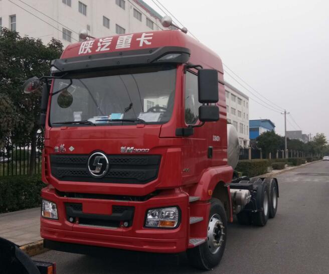 陕汽M3000天然气牵引车