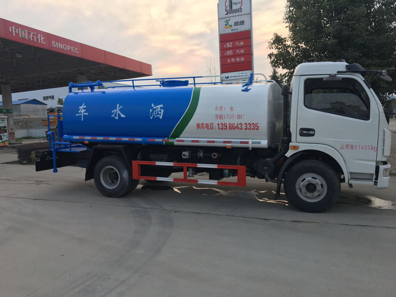 国五经济型10吨东风御虎玉柴洒水车