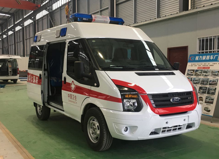 江铃福特V348监护型救护车发往四川某市