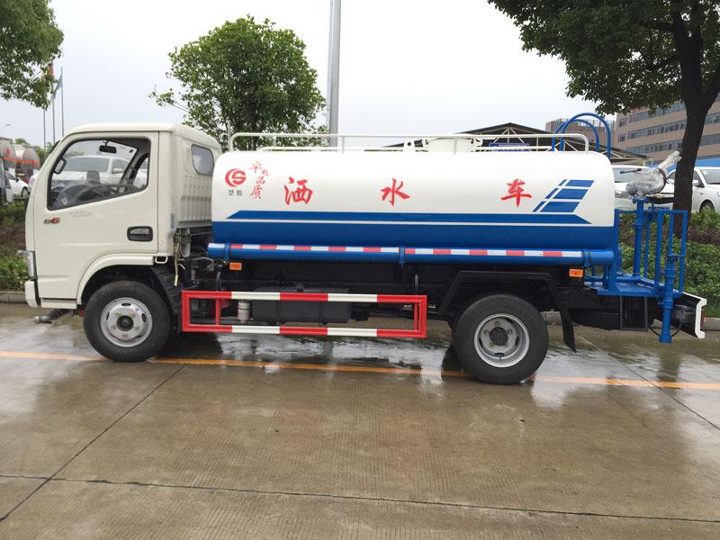 5吨东风福瑞卡云内洒水车价格