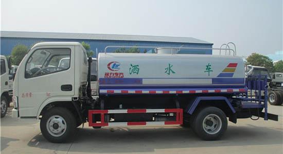 程力东风多利卡5吨洒水车多少钱