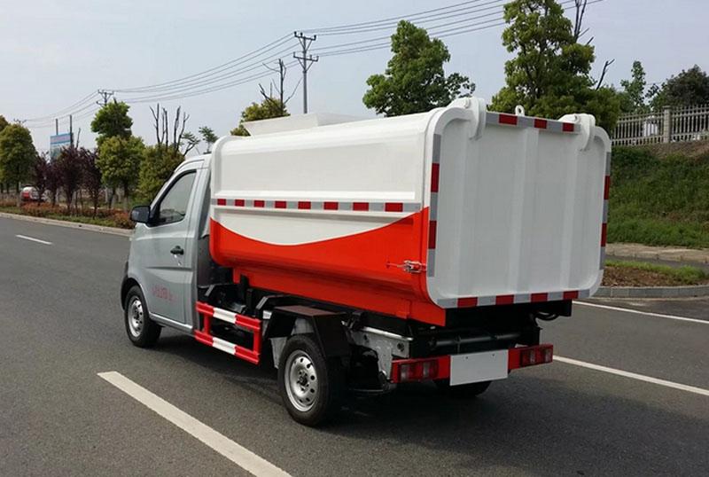 长安小型挂桶装密封式垃圾车