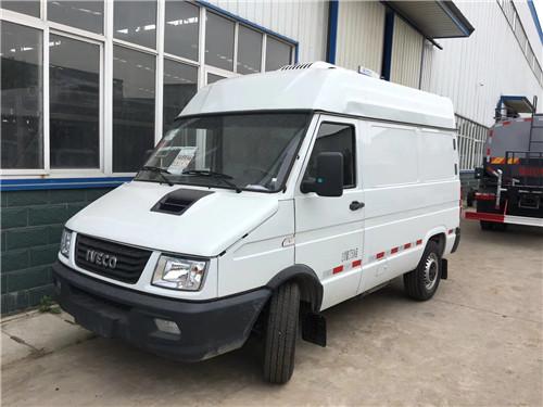新工艺2.1米、3.3米依维柯冷藏车价格