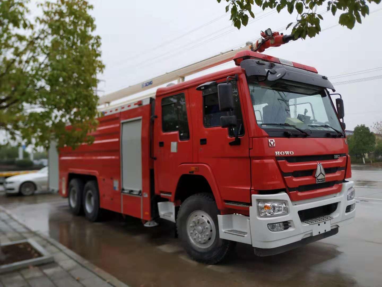 25米高喷消防车成为消防部队的新战友