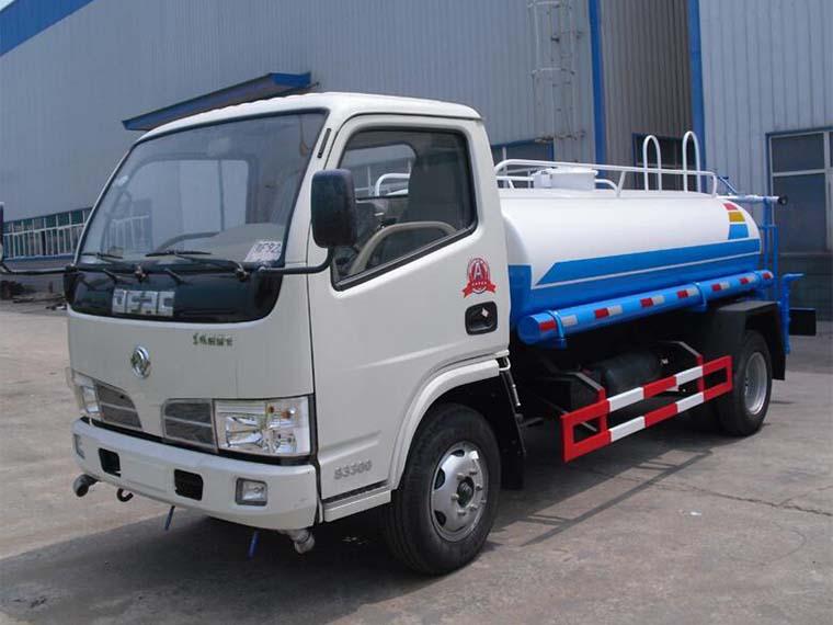 东风2吨洒水车价格