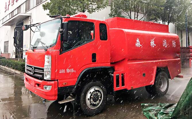 独具越野性能的四驱消防车和六驱消防车的全驱消防车看过来!