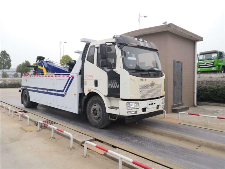 解放J6拖吊联体13吨清障车价格/大型拖吊连体清障车价格