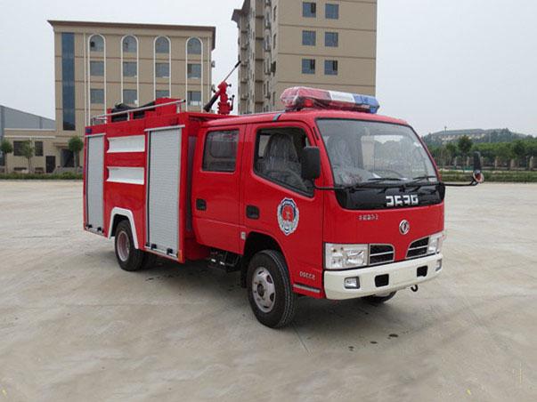 東風3噸水罐消防車