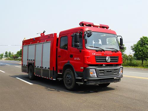 東風153泡沫消防車