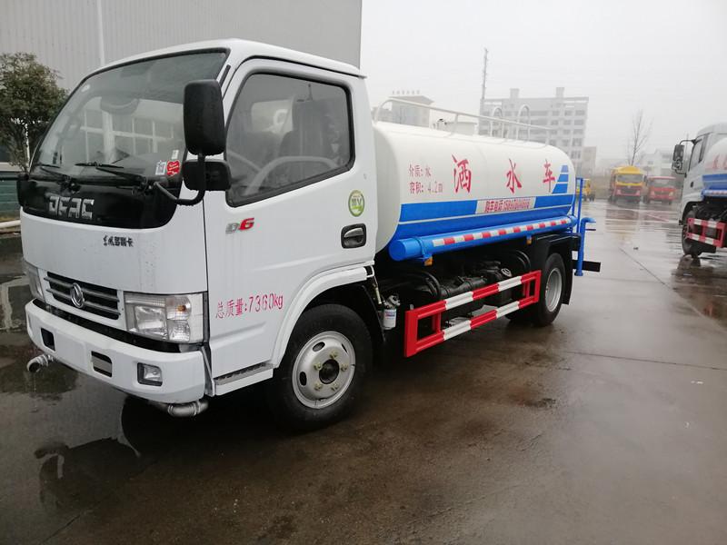 东风多利卡玉柴5吨绿化洒水车发车重庆