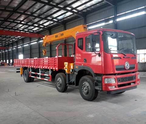 东风专底小三轴12吨随车起重运输车(随车吊)