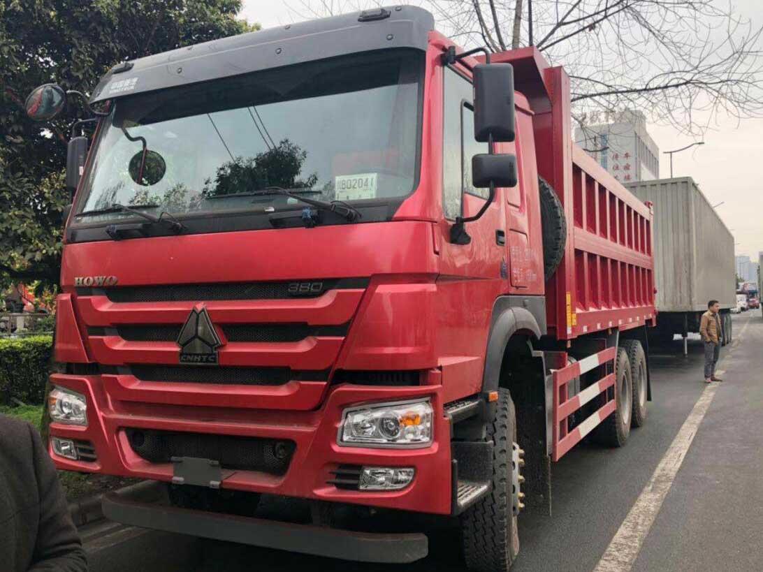 豪沃7系列380马力6*4自卸车 货箱6米