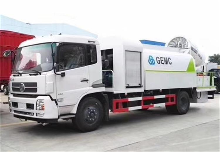 东风多利卡5吨园林绿化喷洒车 道路路面洒水车厂家价格
