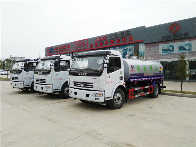 東風多利卡8噸灑水車