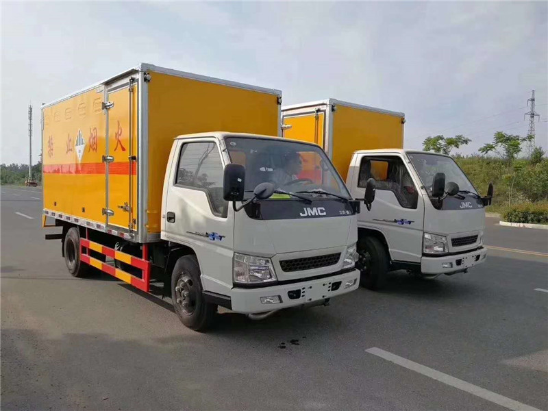 废机油运输车价格-蓝牌4米2废机油运输车-废机油厢式运输车多少钱