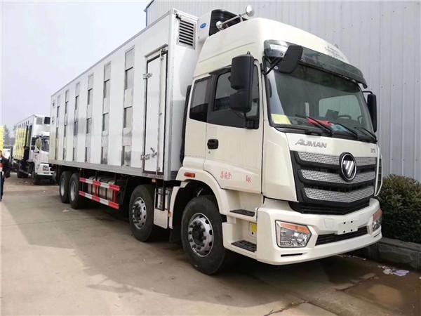 恒温猪仔运输车可运输猪仔头数200-1200,箱体长度从5.4米-9.6米