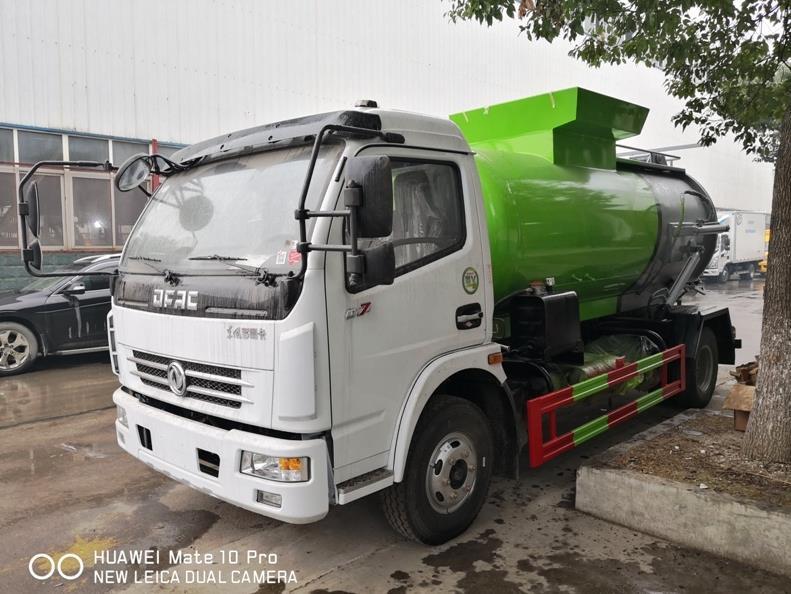 东风多利卡D7餐厨垃圾车/泔水车_餐厨回收垃圾车_7吨餐厨垃圾车价格