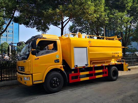 東風多利卡新款D7清洗吸污車