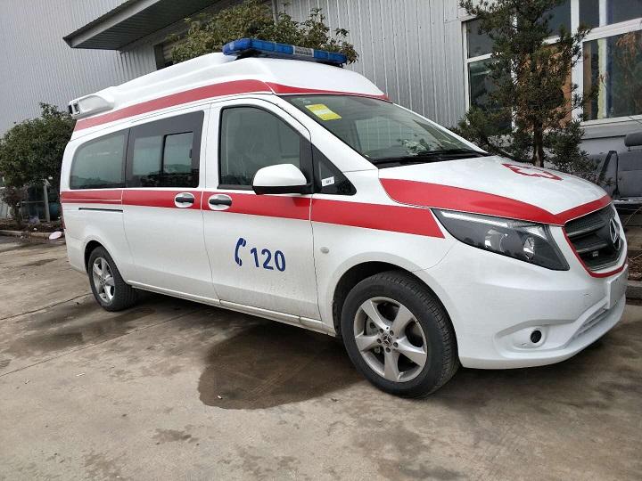 国六奔驰威霆救护车厂家