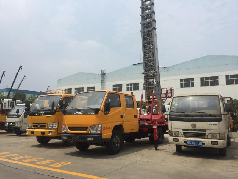 江铃顺达蓝牌云梯搬家车,可升至45米搬家不再是问题