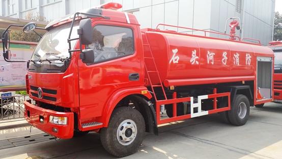 一车两用——东风多利卡7吨消防洒水车