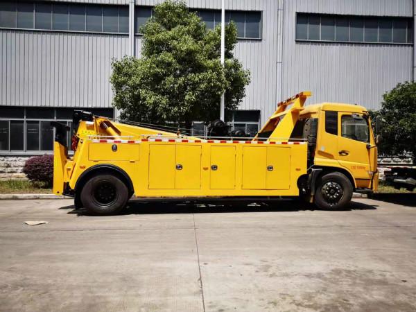13吨东风天锦拖吊连体清障车的配置