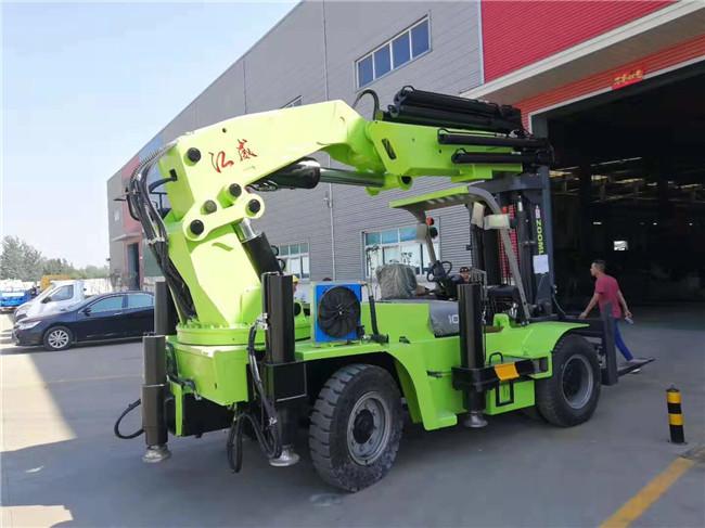 40吨叉车尾吊配在叉车10吨至20吨之间