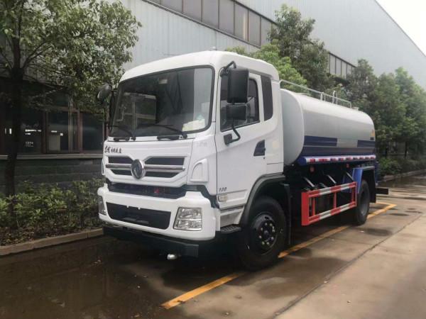 130马力东风专底洒水车多少钱_厂家?