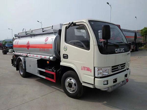 国五东风5吨小型加油车价格_厂家