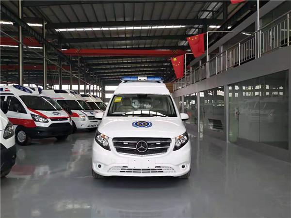 國六奔馳威霆自動擋救護車價格