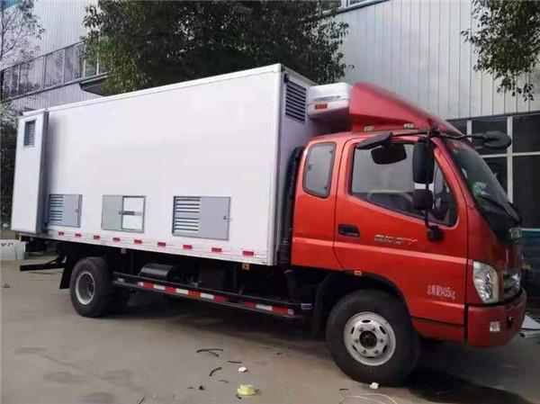 福田奥铃排半鸡苗运输车带卧铺蓝牌新型畜禽运输车