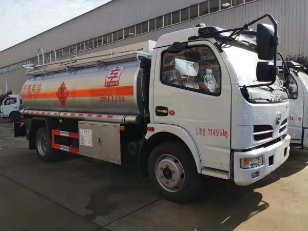 東風多利卡8.2方加油車的配置和價格