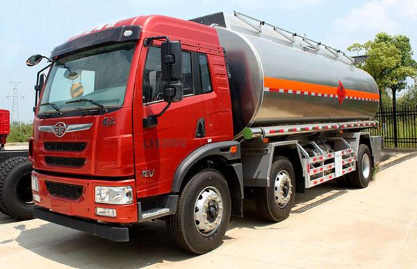 解放小三轴22吨油罐车多少钱