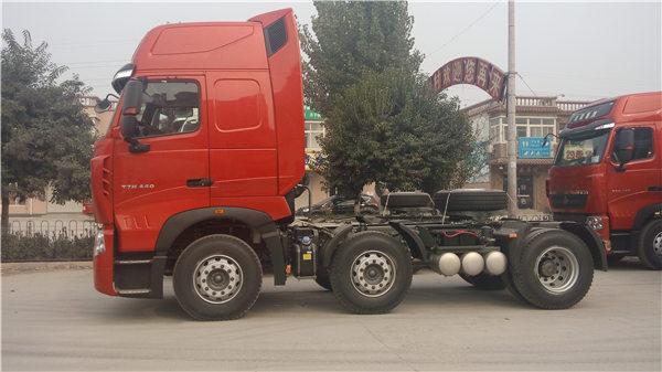 480馬力6X2驅動豪沃T7H牽引車