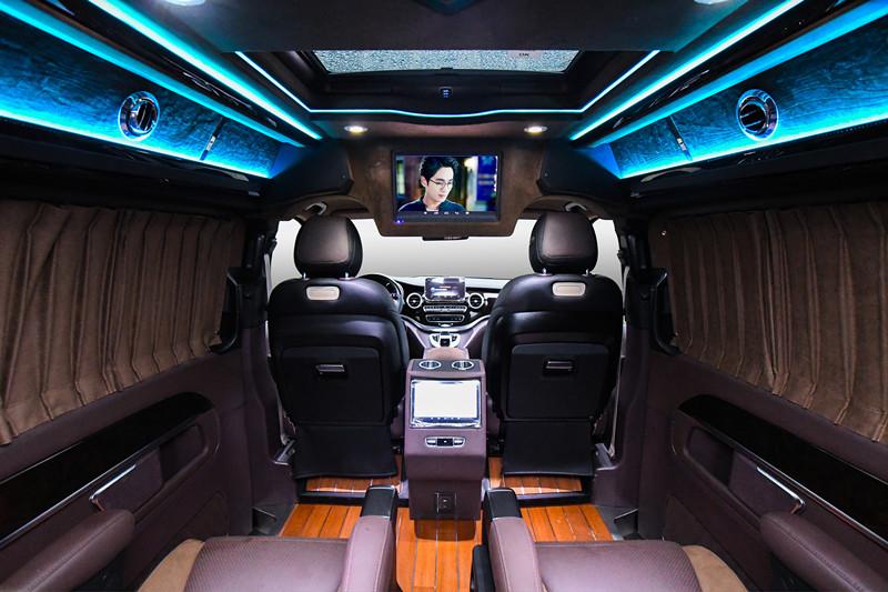 浙江奕信行詳細奔馳V級的優點,2018款奔馳V260升級房車,大牌有范,商務車中的領軍者