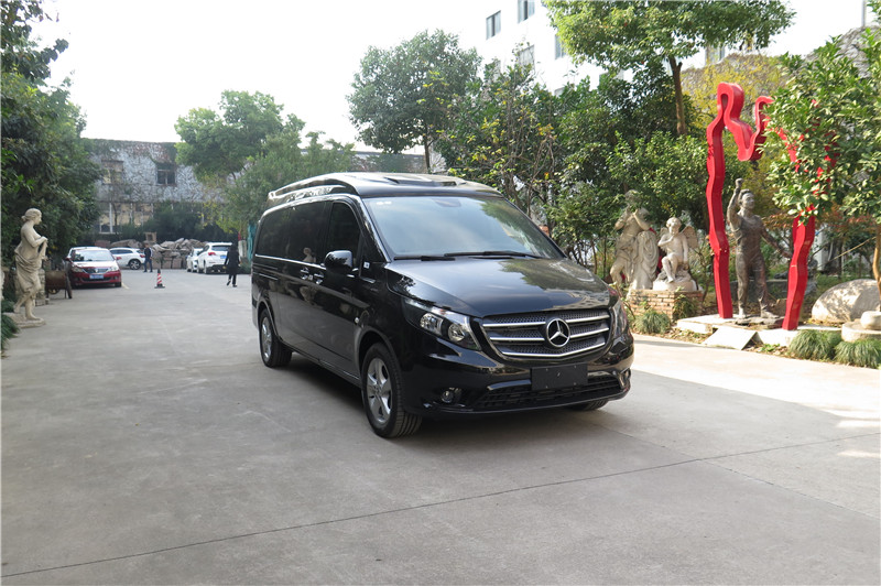 奔驰威霆商务车七座 苏州 杭州两地年底最新行情报价 奕信行房车