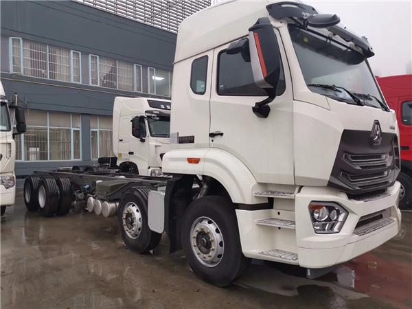 中国重汽豪瀚N6G 8X4载货车