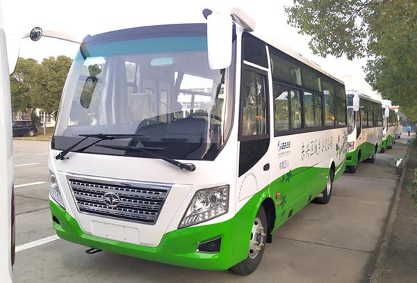 华新牌 国六 天然气29座中型中级客车批量发往四川