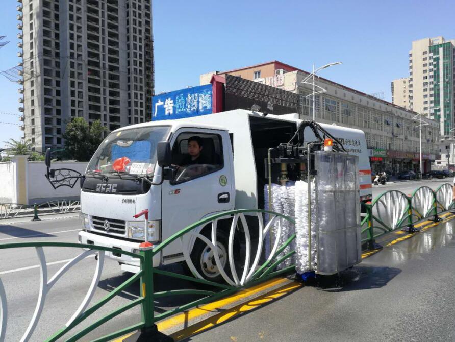 国六东风护栏清洗车厂家