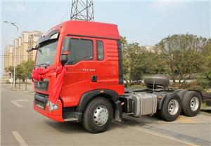 重汽T5G6X4驱动310马力牵引车