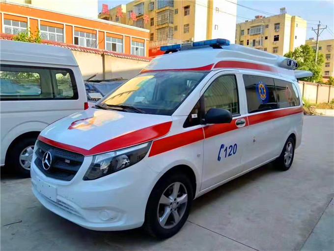 2020新款現車國六奔馳新威霆國際監護型救護車