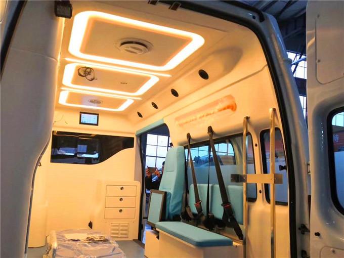 最新廠家價格江鈴福特新世代全順V348長軸中頂救護車