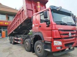 重汽HOWO8米5自卸车8x4驱动