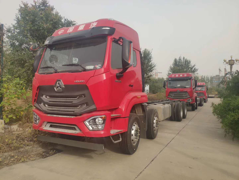 豪瀚9.6米载货车可做高栏