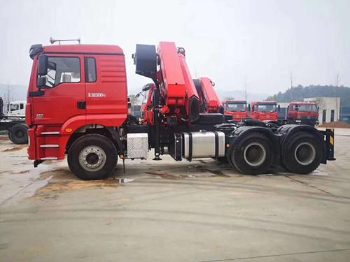 25吨折臂式随车起重运输车厂家直销价格优惠