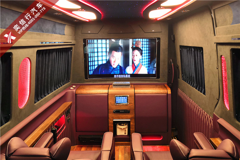 福州大BOSS出行专用车,进口奔驰斯宾特7座大房车工厂优惠价格直销