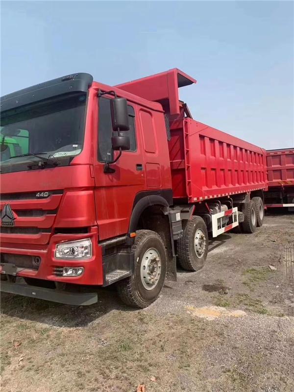 440馬力豪沃V7 8米車廂自卸車(聚鑫上裝)