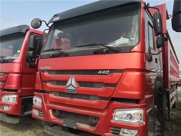 440馬力豪沃V7 8.6米車廂自卸車(華威上裝)