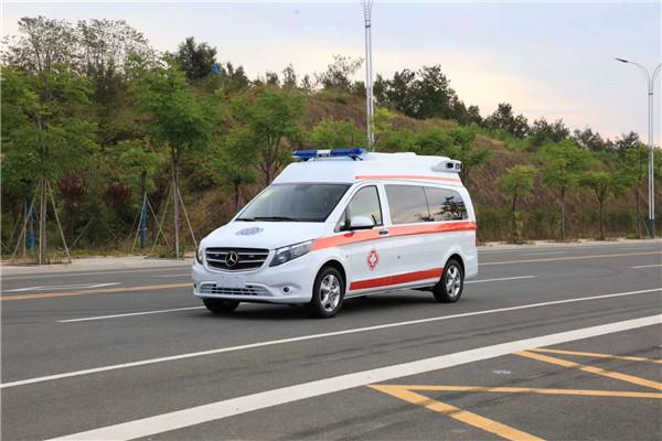 抗疫戰士——梅賽德斯奔馳Vito新威霆高頂監護型救護車